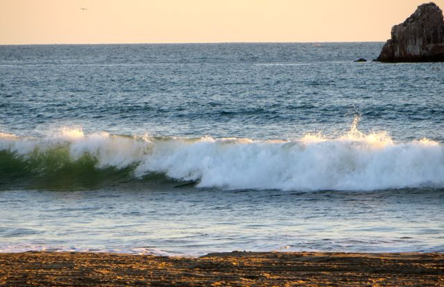 The waves were nos stop today and at times very highg and frequent