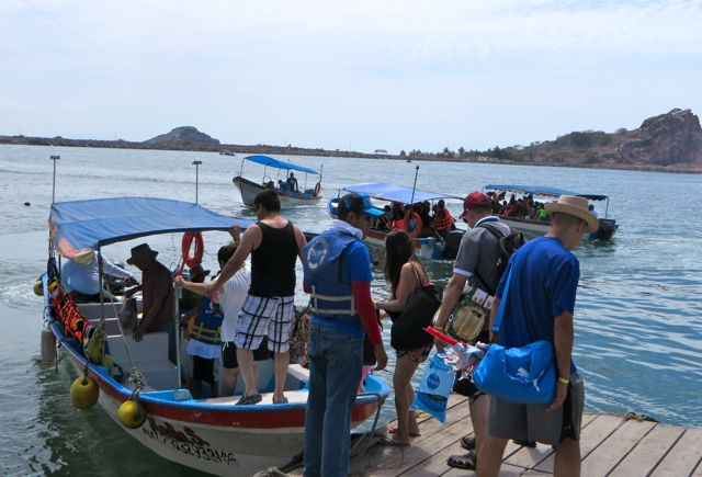 14 lanchas on the Mazatlan side at Playa Sur transporting non stop.