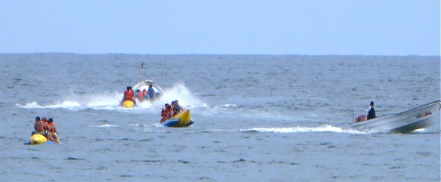 At one point I counted 15 banana boats going non stop.