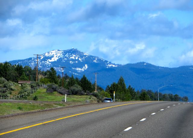 A lovely morning for driving. I have decided that I5 is barely intersting in California but I do love Oregon.