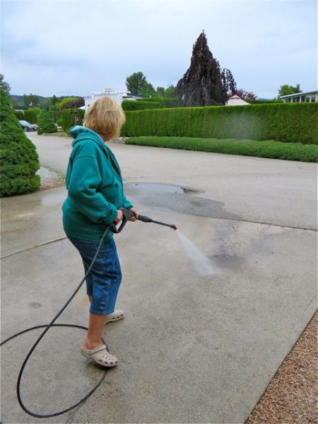 My job was to clean the driveway.