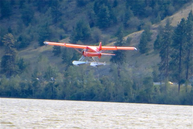 We continued to watch for a while as the wind truly was strong. Float plane photos by Colin using my non profeesional
