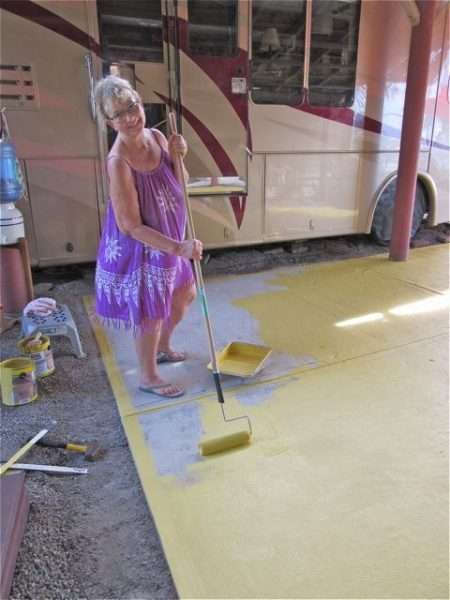 We had decided on a color more or less before we left last April. We bought a special cement paint in Lowe's in Palm Springs. Each gallon cost $50.00 US, good thing we bought 2 gallons. The cement soaked it up.